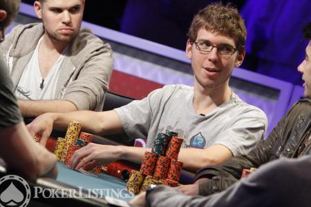 Beginner Poker Tips from Pros: LuckyChewy Finds Big Value in Late Reg